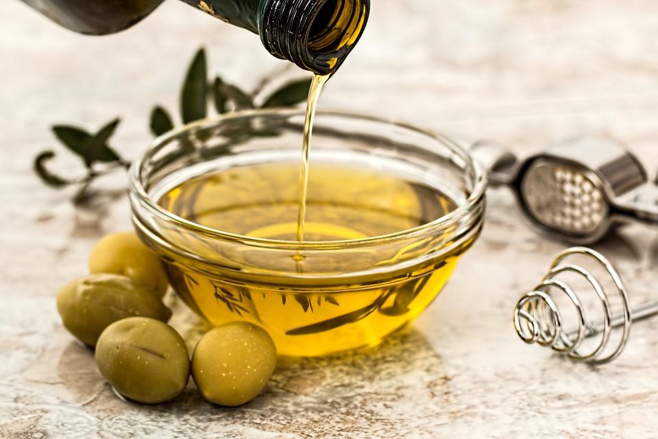 Aceite de oliva del Bajo Aragón, uno de nuestros alimentos del mes