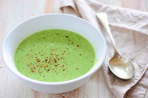 El alimento del mes: crema de brócoli y queso