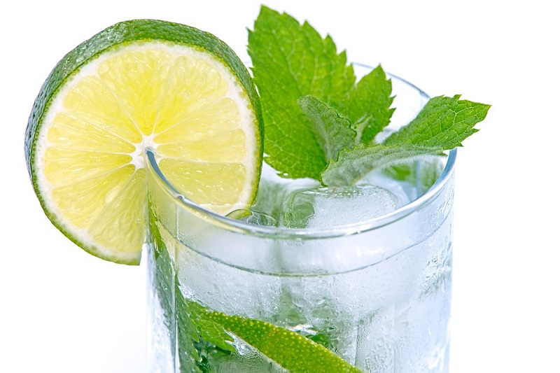 Agua con sabores