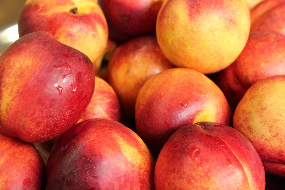 Frutas de verano: Propiedades de la pavía
